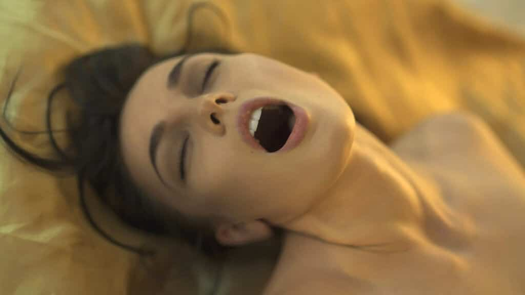 vrouwelijk orgasme squirten spuitend klaarkomen